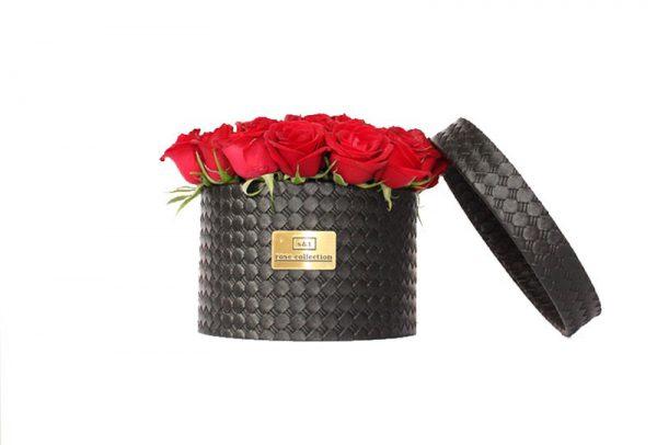 باکس چرمی دایره ای گل رز قرمز